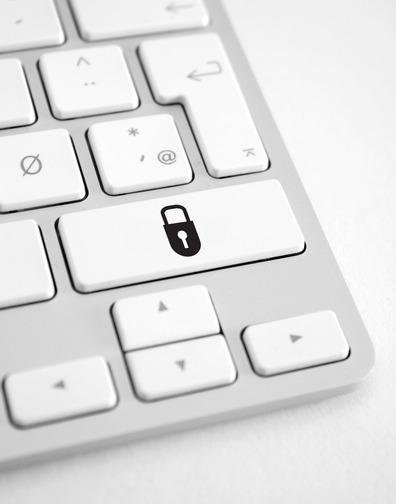 en lås på tastatur signalerer sikker trafik